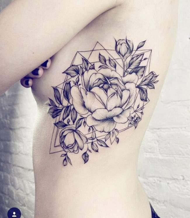 Tatouage Femme Rose Noir Et Gris Sur Ventre On We Heart It