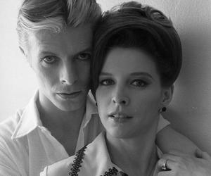 david bowie, the man who fell to earth, and candy clark image