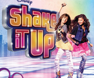 shake it up chicago:') <3 image