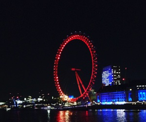 london, night, and love image