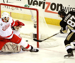 goal, sidney crosby, and pittsburgh penguins image