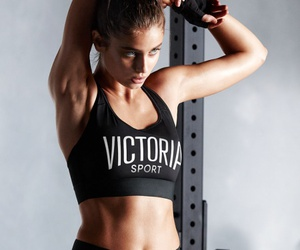 taylor hill and Victoria's Secret image
