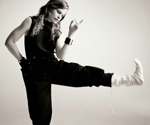 christine and the queens image