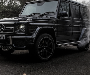 car and g class image