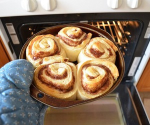 food, quality, and cinnamon roll image