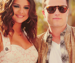 selena gomez and josh hutcherson image