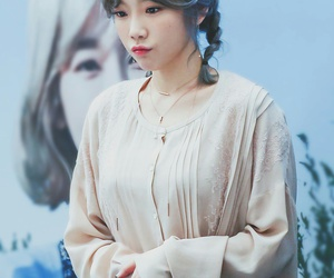 taeyeon, snsd, and girl image