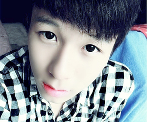 guy, pretty boy, and ulzzang image