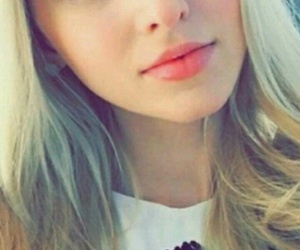 lips, red, and dove cameron image