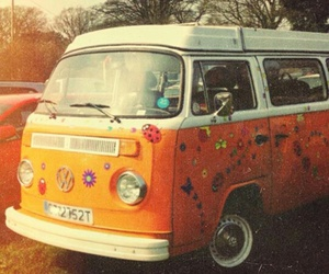 hippie, kombi, and old cars image