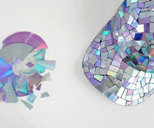 cd, holographic, and diy image