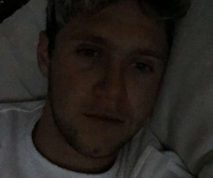 niall horan, snap, and tired image