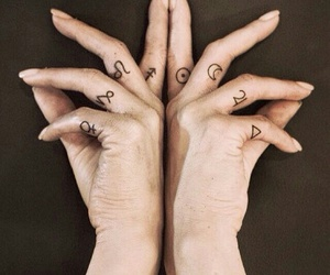 tattoo, fingers, and hands image
