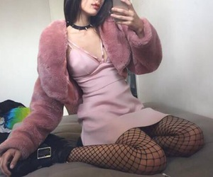 outfit, pink, and cute image