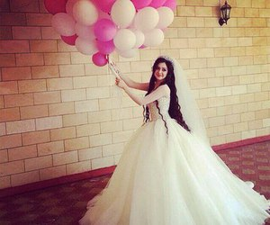 girl, wedding, and بدلات image