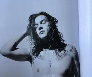 Harry Styles, one direction, and another man image