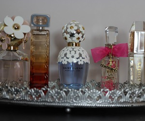 marc jacobs daisy and perfume collection image