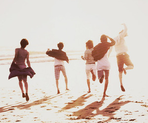beach, SHINee, and friends image