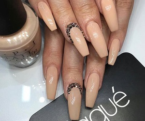 nails, Nude, and laquè image