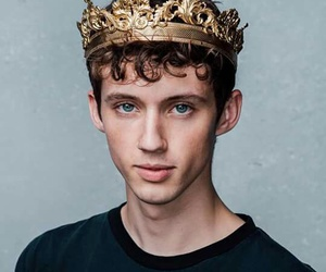troye sivan, king, and troye image