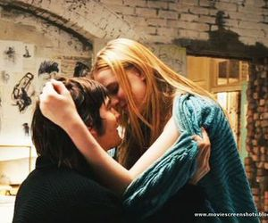 Across the Universe, cinema, and kissing image