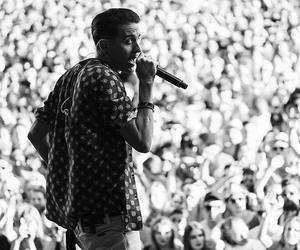 concert and g-eazy image