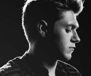 vevo, niall, and this town image