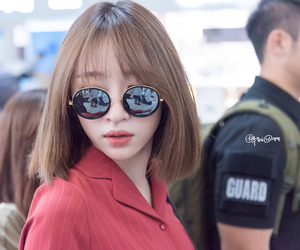 short hair, chic style, and ulzzang fashion image
