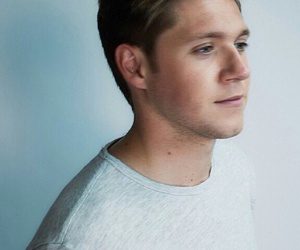 niall horan, one direction, and this town image