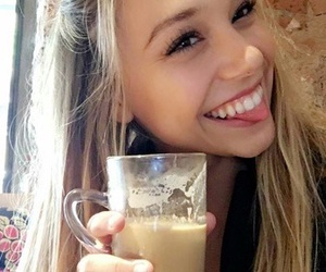 alexis ren and snapchat image