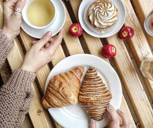 cafe and cakes image