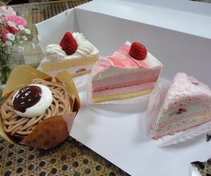 cake, strawberry, and creamy image