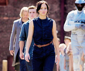 hunger games, peeta, and Jennifer Lawrence image