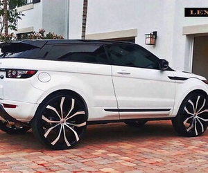 car and range rover image