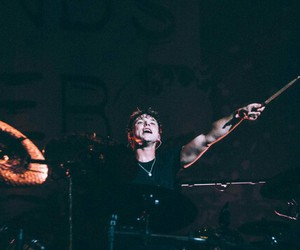 melbourne, ashton irwin, and sounds live feels live image