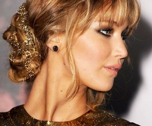 Jennifer Lawrence, hair, and the hunger games image