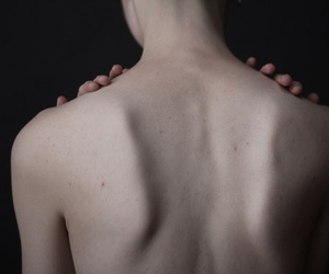 skin, pale, and body image