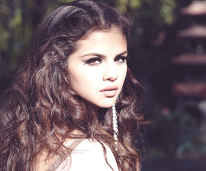 editorial, hair, and selena image