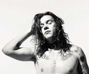 aesthetic, black and white, and harry image