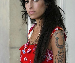 Amy Winehouse, beautiful, and singer image