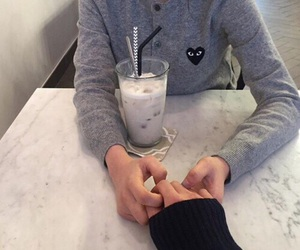 couple, hands, and ulzzang image