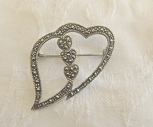 etsy, vintage heart, and heart jewelry image