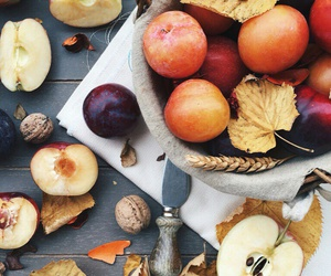 apples, autumn, and FRUiTS image