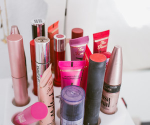 cosmetics, extreme, and lime crime image