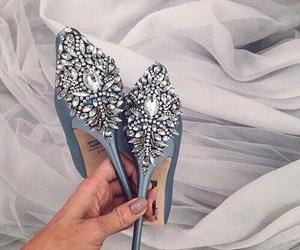beautiful, heels, and pastel image
