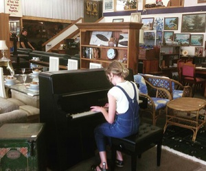 piano, vintage, and singer image