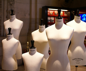 corps, mannequin, and haute couture image
