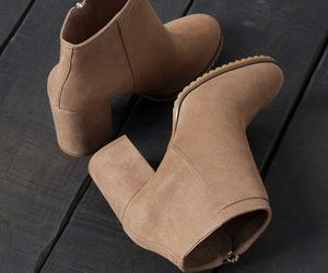 shoes, fashion, and slippers image