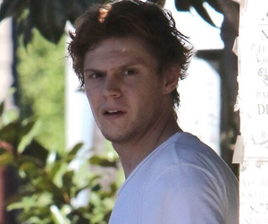 actor, funny face, and evan peters image