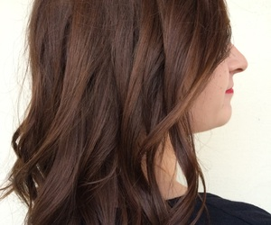 brown hair, curly hair, and hairstyles image